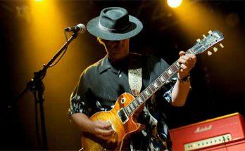 אמן הבלוז והגיטריסט אנדי וואטס