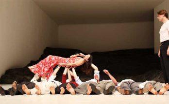 להקתה של פינה באוש Tanztheater Wuppertal – ביצירתה מזורקה פוגו